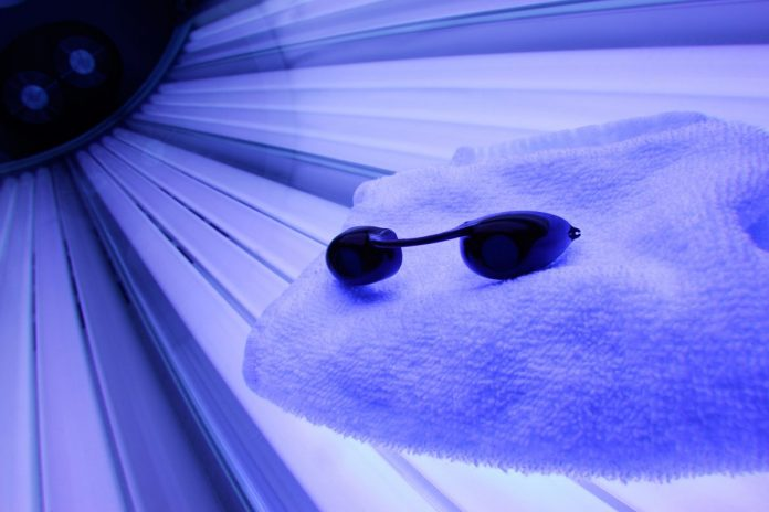 Research finds tanning salons likely to cause skin cancer even without sunburn
