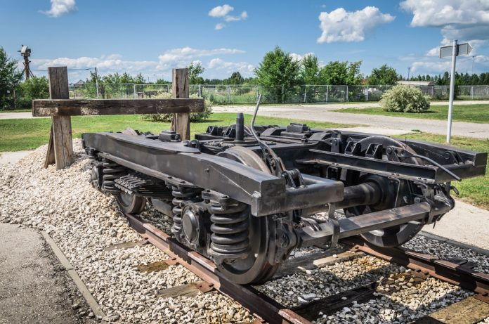 Bogie on track before Internet of Trains
