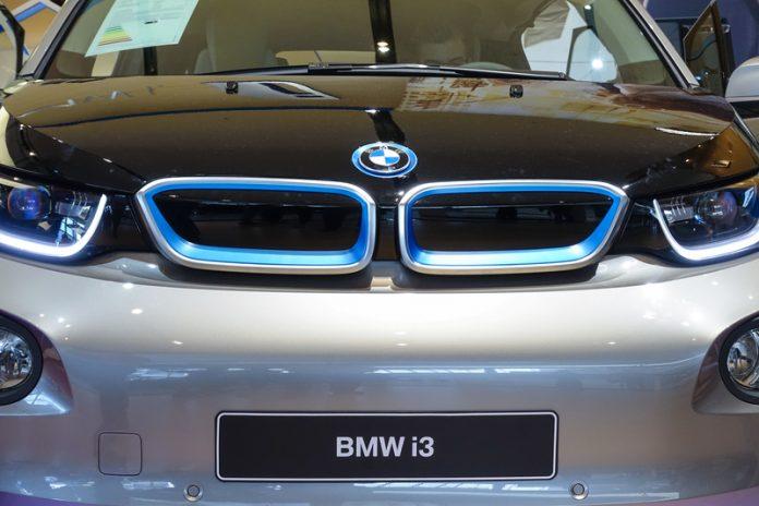 luxury EV market