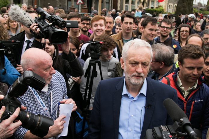 seven MPs leave corbyn, labour split