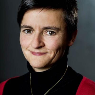 Prof Dr Anke Hagen