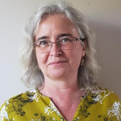 Dr Joanne Wade